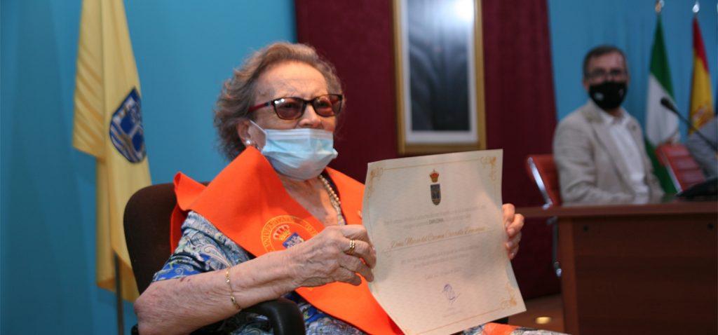 La UCA celebra un acto de reconocimiento a Carmen Carrillo como egresada de Honor